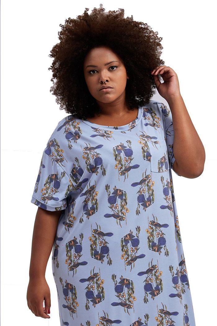 Vestido T-shirt com bolso Passarinhos Azul Céu Plus Size