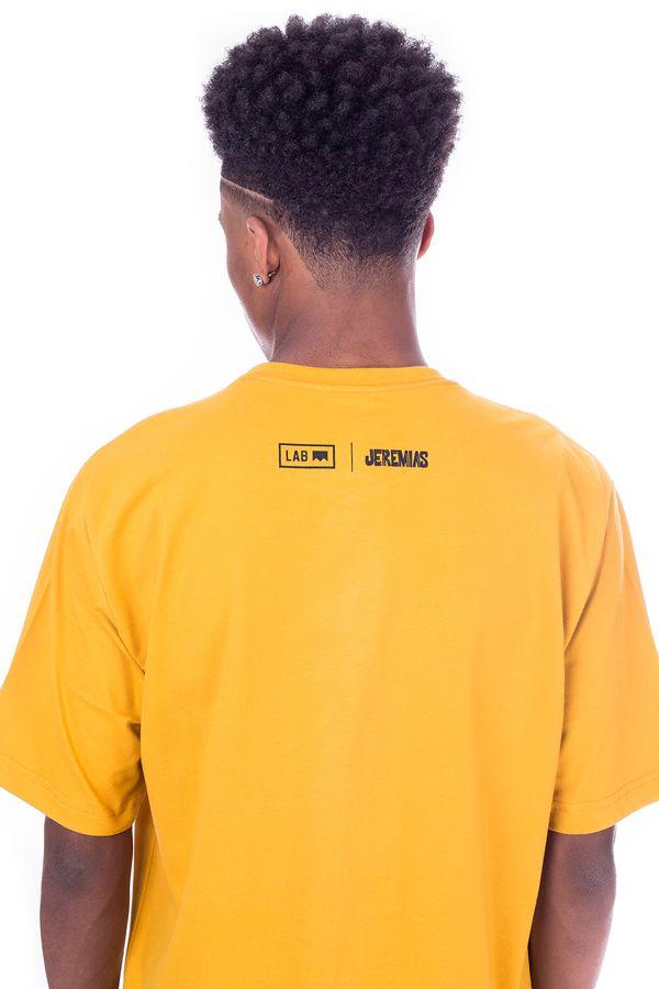 Camiseta Básica Lab Jeremias Estampa Boné Mostarda