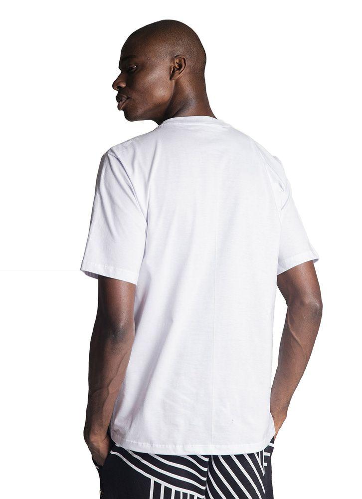 Camiseta Básica Ubuntu Tag Branca