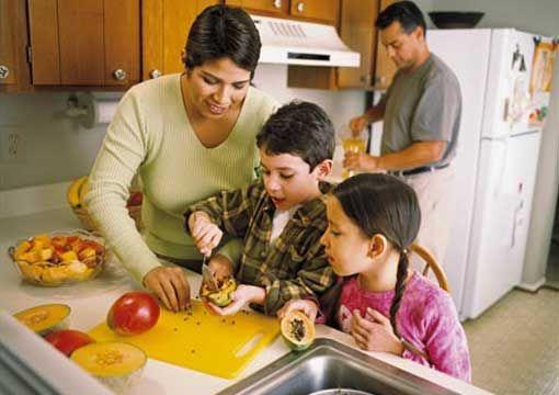 4 excelentes motivos para você cozinhar em família
